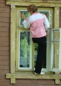zatykaem shheli na oknah